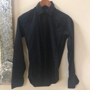 Slim fit stretch shirt. Very modern and nice!